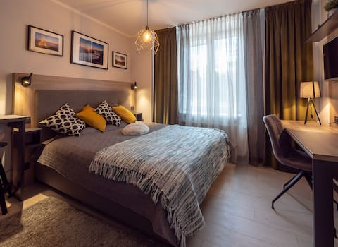 Work from Studio Close To CityCenter & Airport