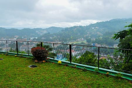 Beautiful B&B Suite. 1.6km to the city - Kandy