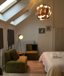 Light and deco flat at the vibrant heart of Leuven - Leuven