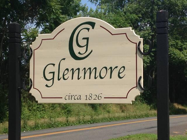 Studio apartment at historic Glenmore