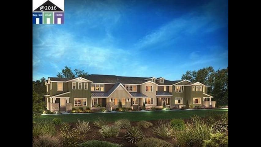 Brand New Top Design House - Livermore - Townhouse