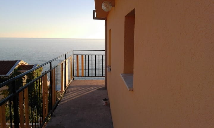 Amazing sea view. Apartment with 35m2 of space