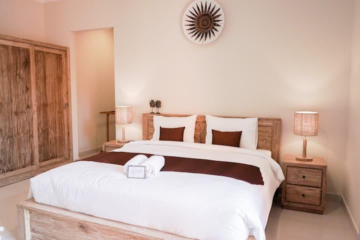 Big Room In Berawa Canggu, Work from your Room