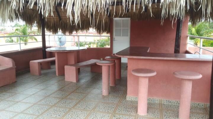 Cómodo departamento con roof garden privado