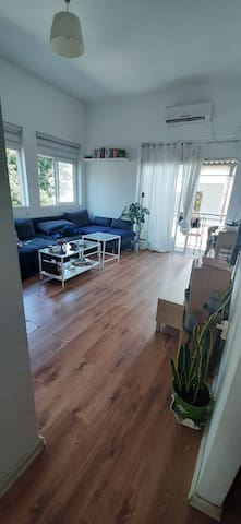 Central location, 5 min walking to the beach**