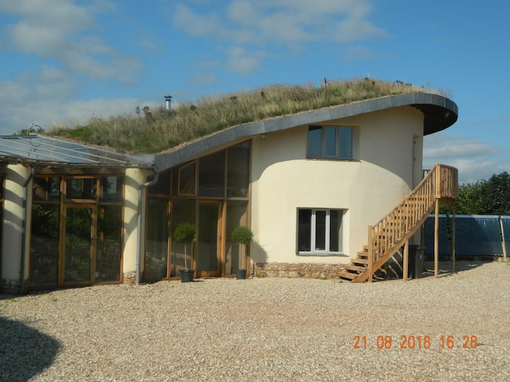 Dingle Dell Annexe - As seen on Grand Designs!