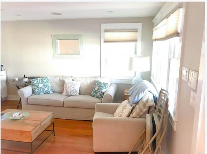 Perfect, private 2 bedroom steps from the beach
