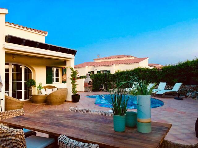 Villa climatisée avec piscine à Minorque