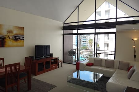 Modern Quiet Apartment, Free Transport within City - Apartment