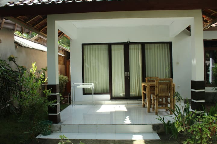 Sunset house4 location 700 m from sentral and nice