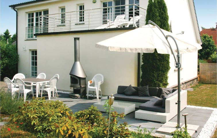 Holiday cottage with 3 bedrooms on 160 m² in BeckerwitzHohenkirchen