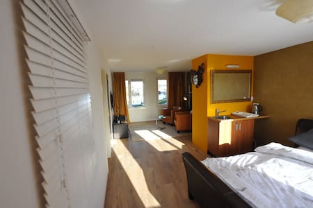 River view luxury apartment close to Amsterdam!