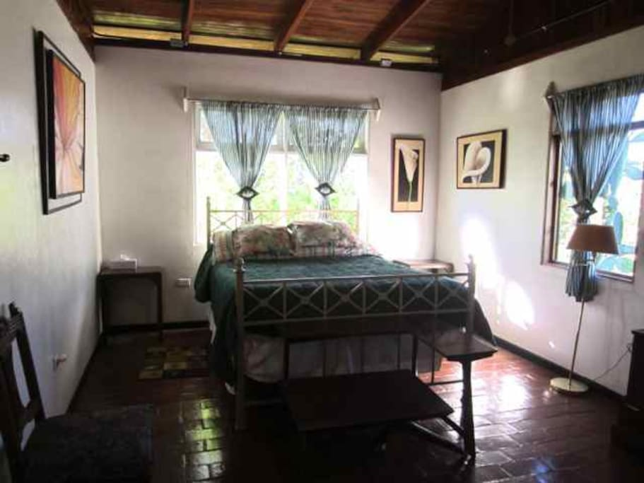 Las alturas b b estate inn bed breakfasts for rent in puriscal san jos costa rica Master bedroom for rent in san jose