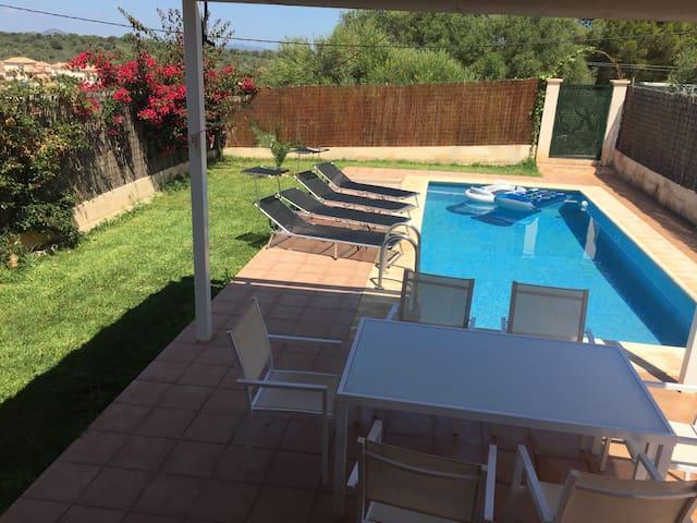 Villa avec piscine priv e 6 8 personnes maisons louer for Location villa espagne avec piscine privee pas cher