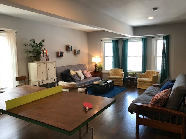 Cozy & Playful 2 BD Apartment
