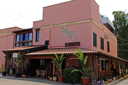 Gecko's House - Villaggio Resta - Bed & Breakfast