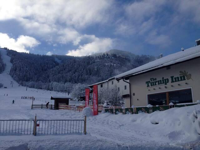 The Turnip Inn, Niederau, Austria (Room 6) - Niederau - Casa de hóspedes