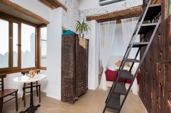 The Farm Lodge from 1502   Marbella Old Town