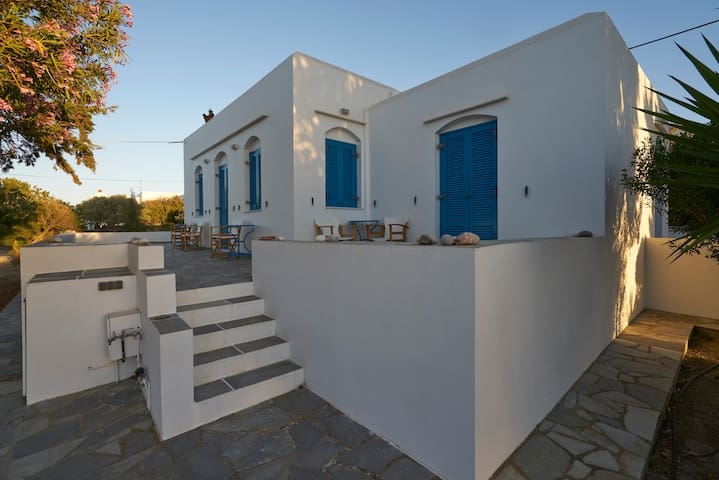 Guest Room in Exambela Sifnos