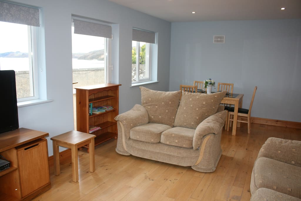 Shared Living Room with Views over the Harbour and the Estuary