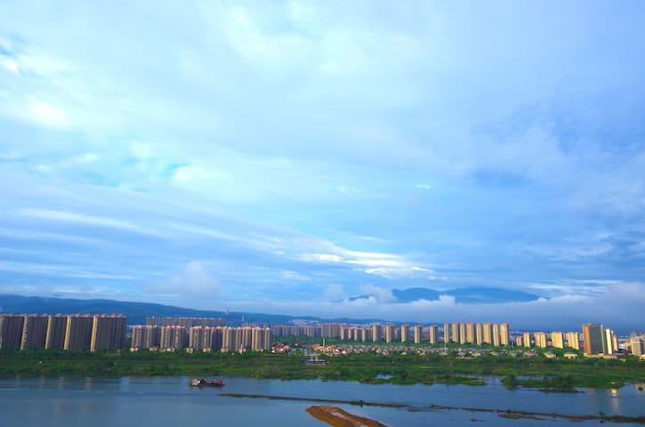 智恩江景双床房ZION HOTEL - Xishuangbanna - Butik otel