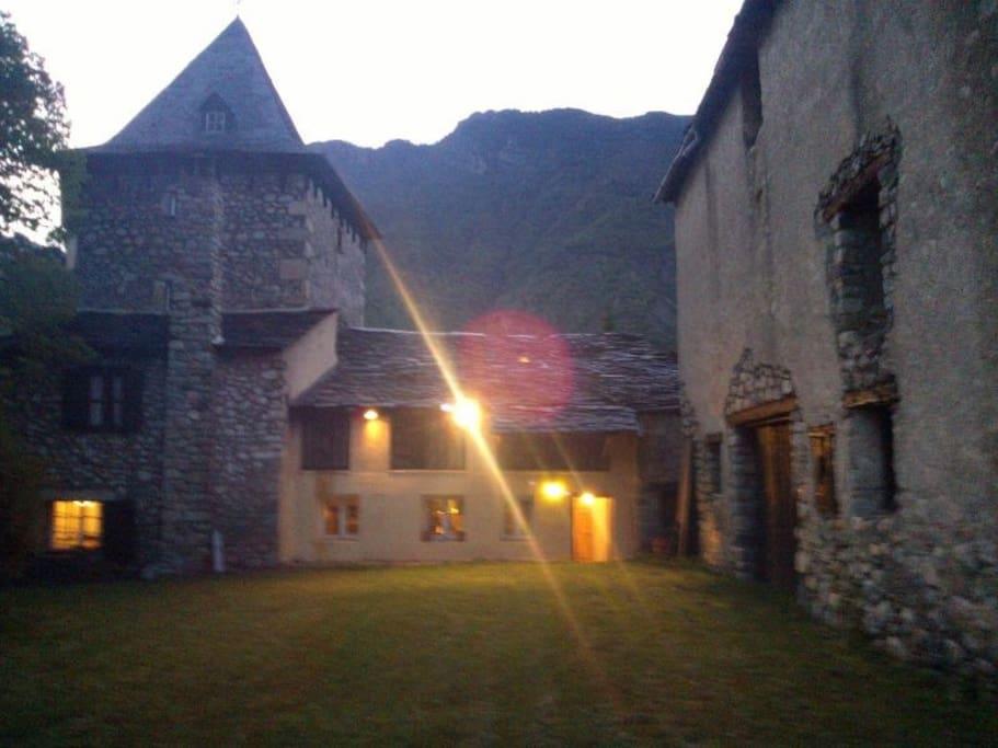 Torreón de noche en Verano