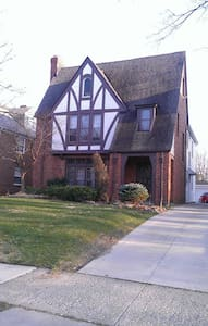 RNC Rental Historic Shaker Heights - Shaker Heights
