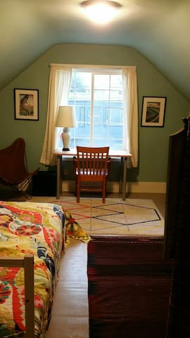 Unique & cozy room, private bath & personal space. - San Francisco - House