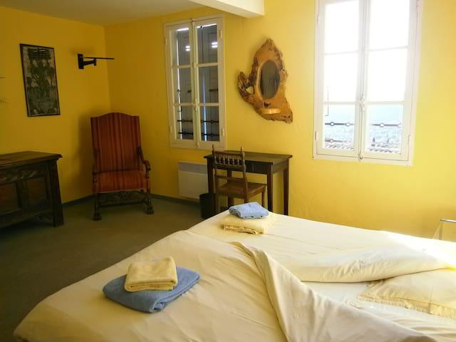 La Soleillade, Chambre Flocke - Spéracèdes - Szoba reggelivel