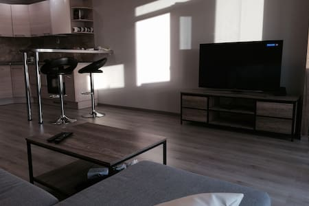 New, comfortable apartment in safe and quiet area - Vilnius - Wohnung
