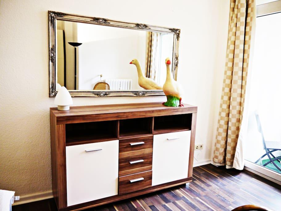 halensee wohnung mit garten wohnungen zur miete in. Black Bedroom Furniture Sets. Home Design Ideas