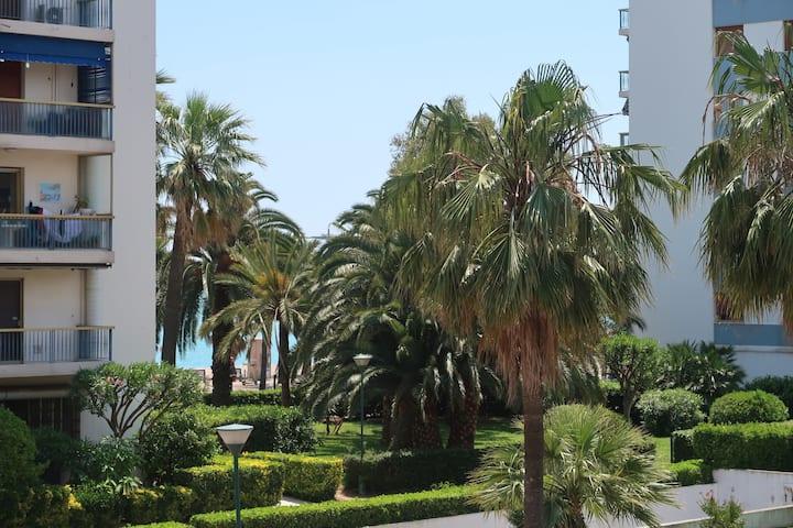 La Mer et la Côte d'Azur pour vous. Studio 30m2.