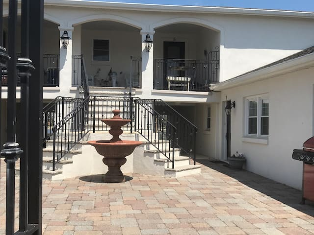 Brand New- 3 bedroom/2 bath-1/2 a block to beach