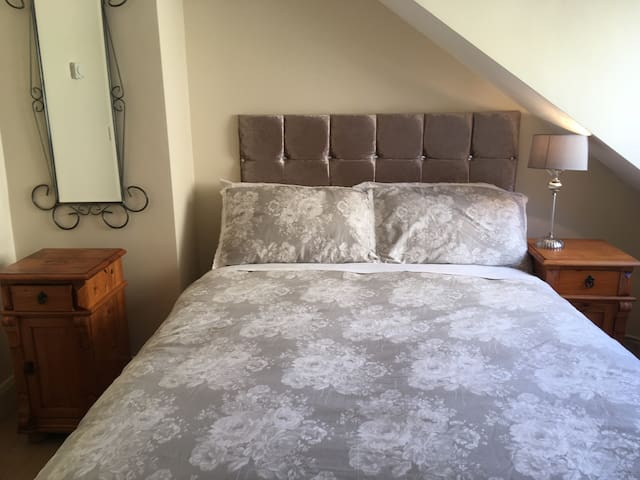 Luxury one bed apartments  Fabulous city location