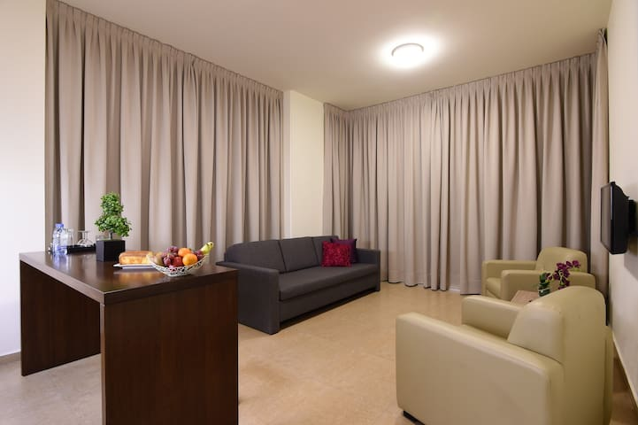 BYBLOSTAR SUITES / DELUXE SUITE - Byblos - Bed & Breakfast