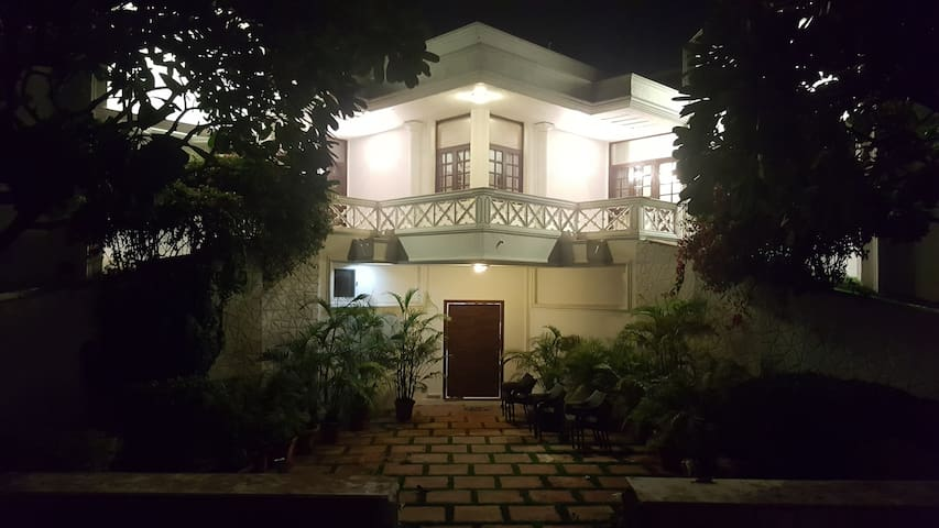 RawWorks - Luxury for Peace Finders - New Delhi - Villa