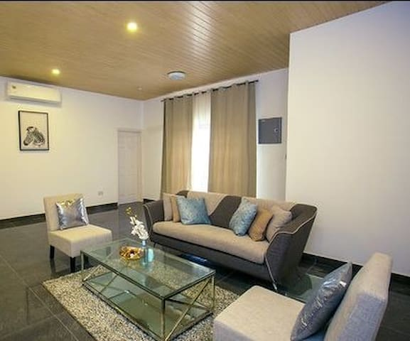 Sandton Court-Secure luxury in the heart of Accra