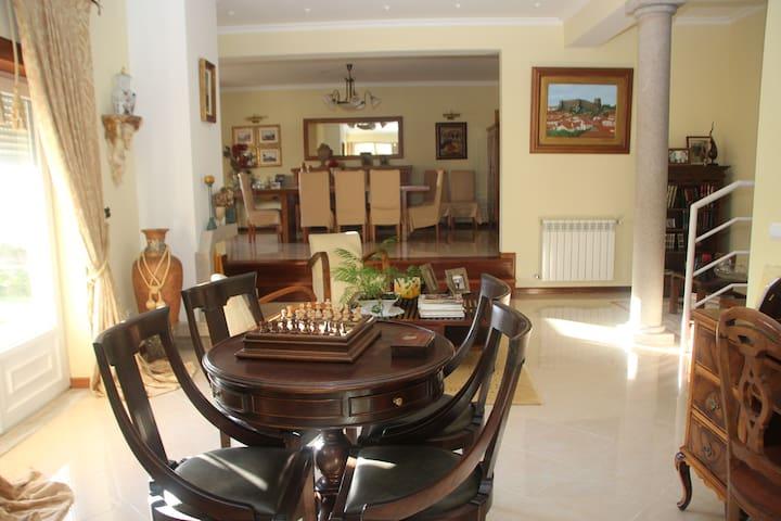 Quartos em vivenda_Serra da Estrela, vista fantást
