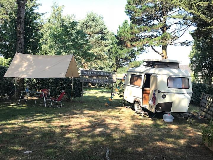 Petite Eriba Puck sur camping sympathique