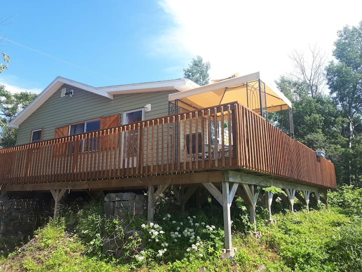 Whycocomagh Bay Waterfront Cottage