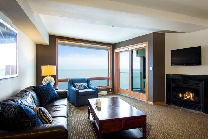 Luxury Condo on Lake Superior