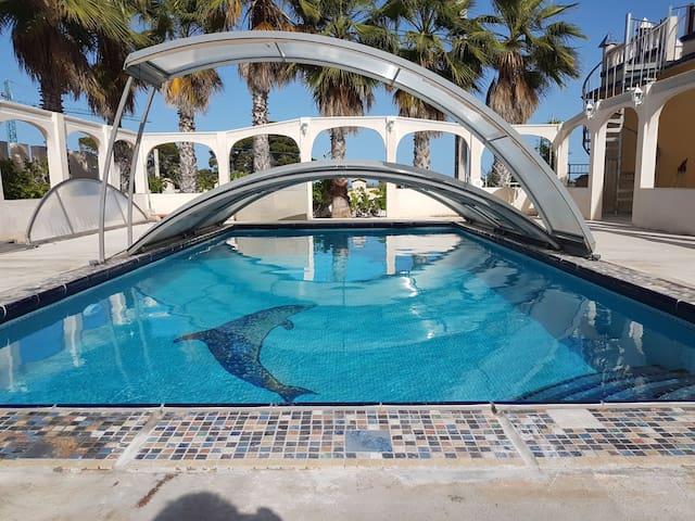 Belle maison, piscine privée, 10min de la plage