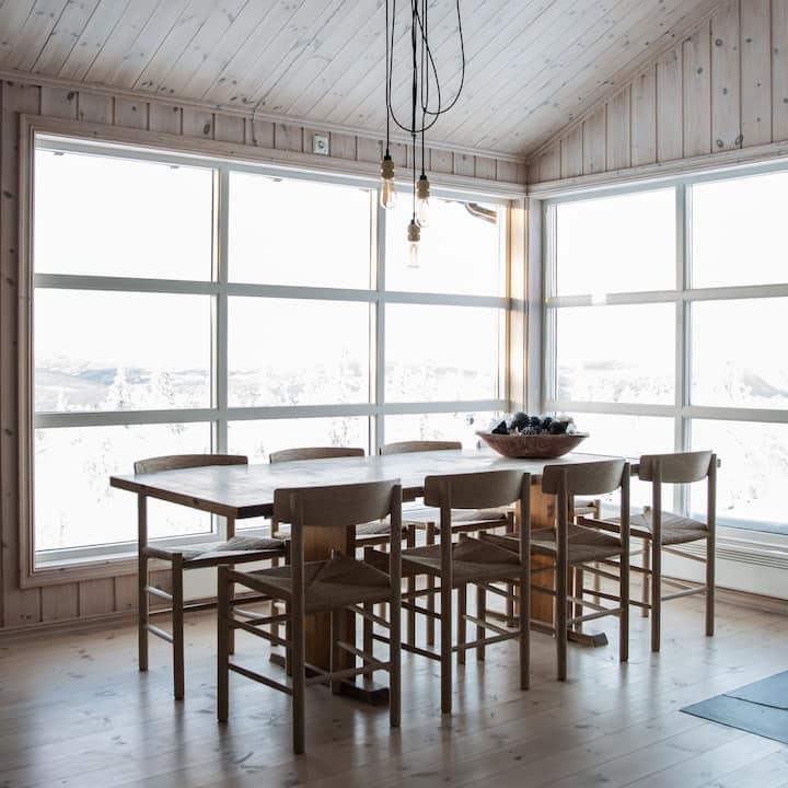 Hytte med panoramautsikt og på Gålå