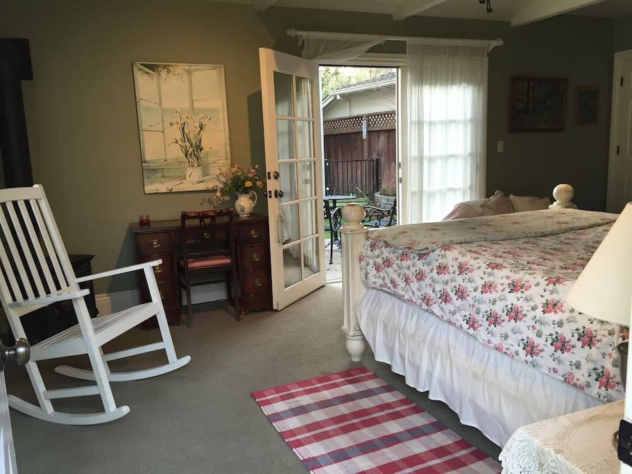 Queen bed in guest cottage