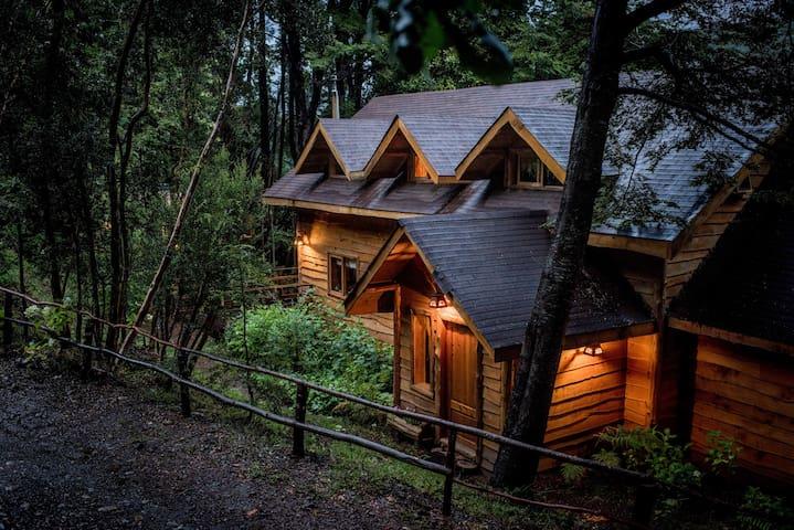 Sendero Andino Lodge, Río Puelo, Chile