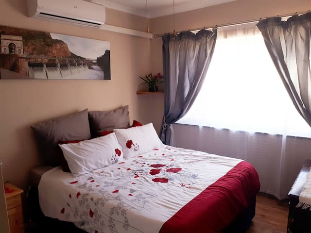 Room2...Airconditioned, fan and electric blanket