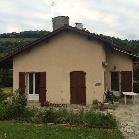 La villa du Parc - Joux - บ้าน