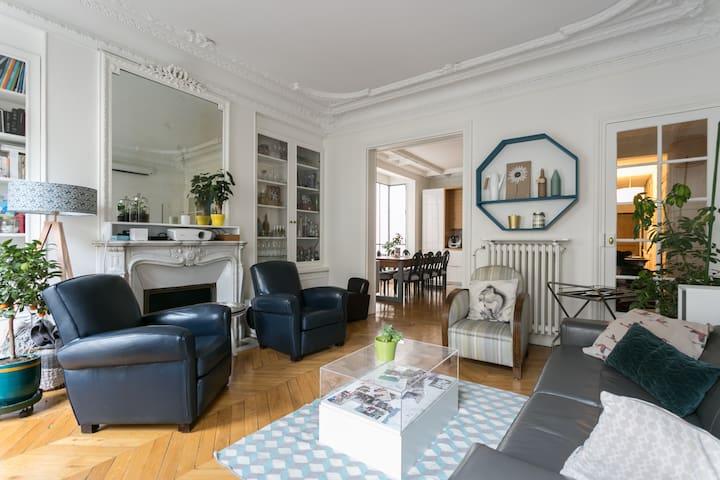 Haussmannian flat in the heart of Paris / Panthéon