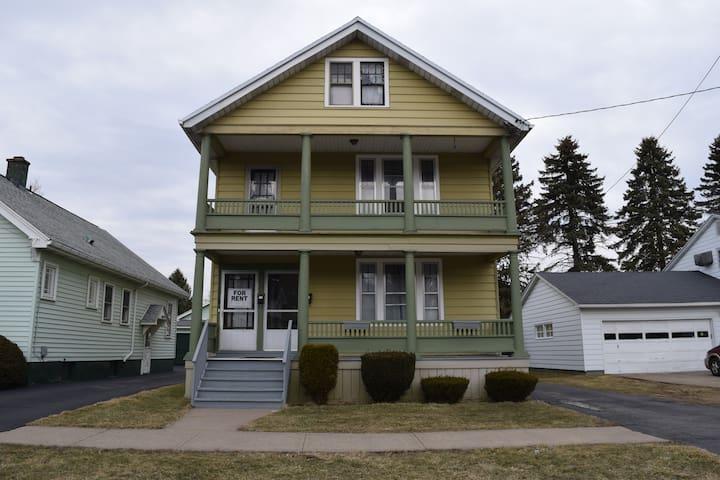 Bedroom 1 - Spacious Apartment in Utica