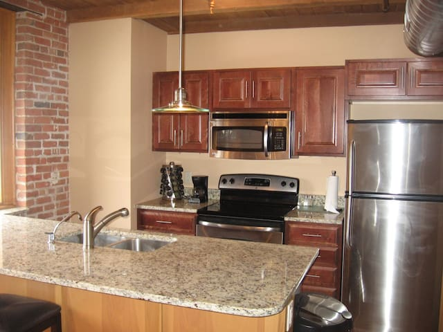United Center Loft 412-2 Bed 1 Bath